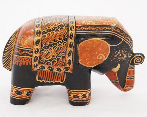Tinuku.com Wooden elephant sculptures appeared in batik art decoupage by Sanggar Peni reviews mystical culture