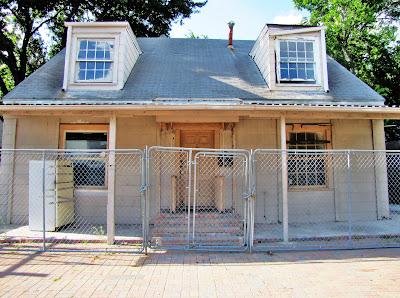 2206 Richmond Ave, Houston, TX 77098 vacant house