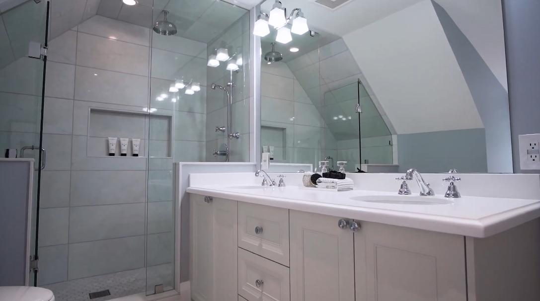 29 Photos vs. 17 Hawthorn Ave, Toronto, ON Interior Design Luxury Home Tour
