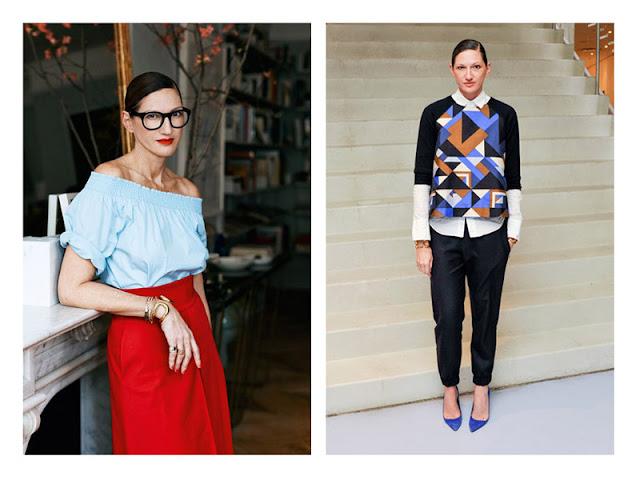 Дженна Лайонс красная помада и красные кюлоты, синие туфли под цвет принта на свитере