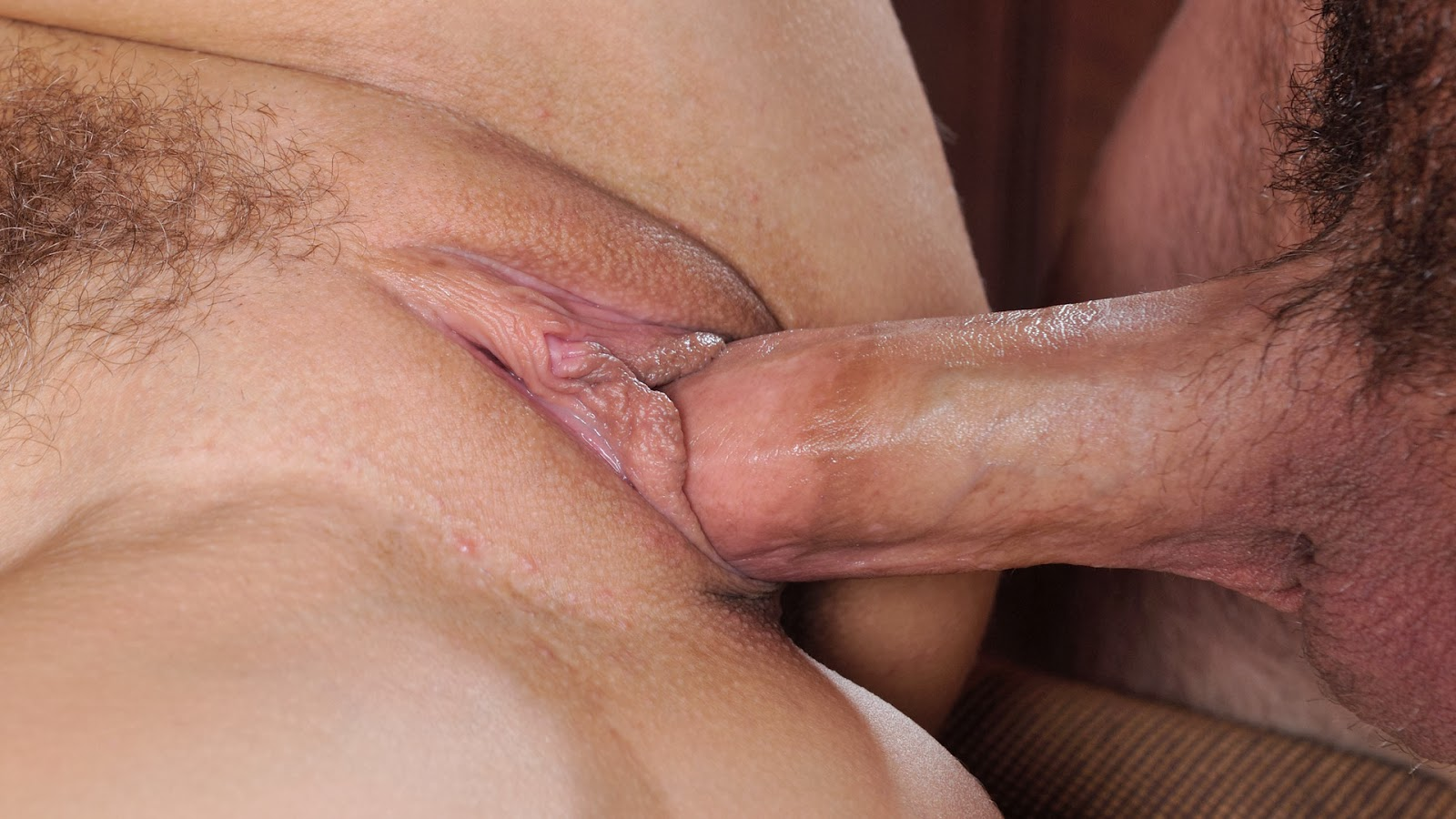 great-cunt-closeup-penetration-naked-girls-hand-in-guys-pants