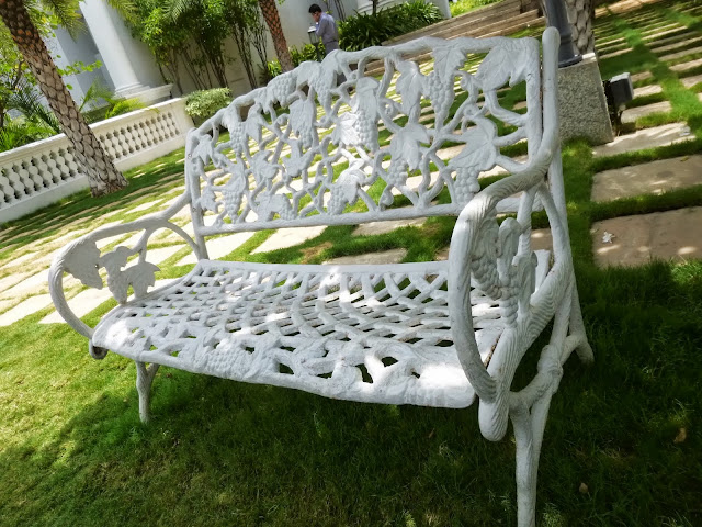 Falaknuma Palace Images: wrought iron bench
