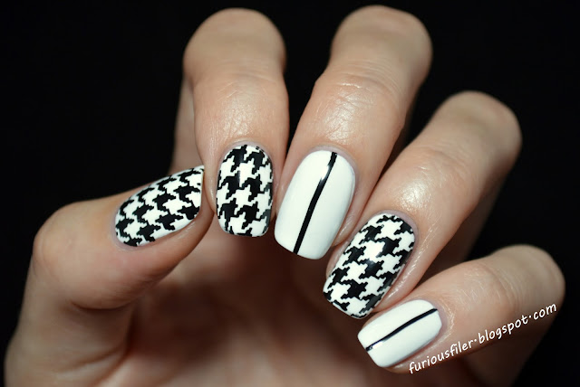 houndstooth b&w chic simple stripes nails