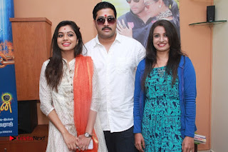 Aama Naan Porikkithan Tamil Movie Pooja Stills  0021.jpg