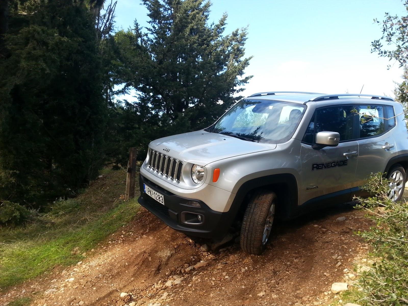 7 Ρίχνουμε ένα Jeep Renegade σε λάσπη, χιόνι, χώμα
