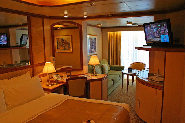 Mini-suite D402 aboard the Ruby Princess