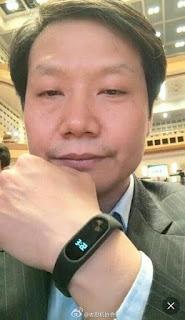 Xiaomi's CEO Lei Jun wearing Mi Band 2