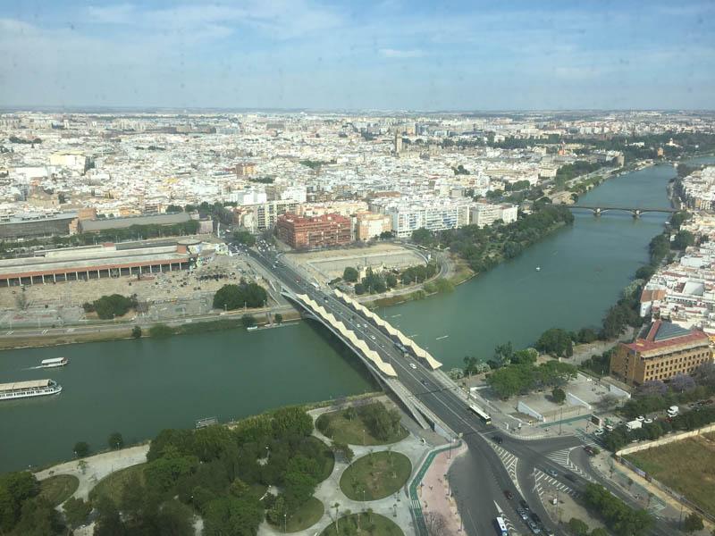 Yonomeaburro: Escapada: Eurostars Torre Sevilla, el hotel más alto ...