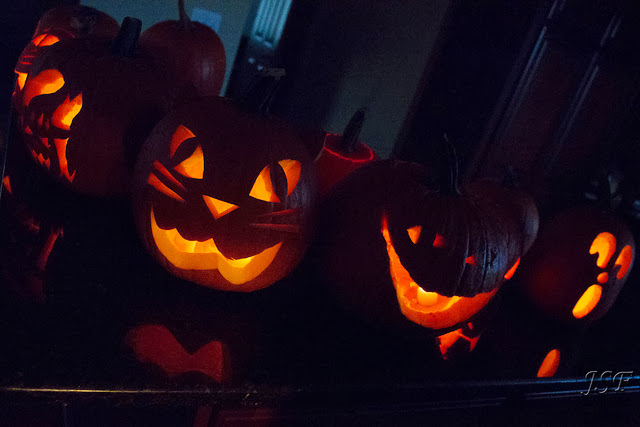 Pumpkin carving 4 - Photo by Jonathan Frings - Deborah's Gems