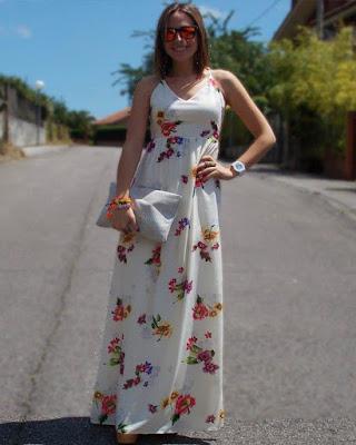 vestido largo con flores de verano