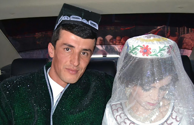 Wajah Wanita Ini Cemberut Seperti Tidak Bahagia Ternyata Ada Fakta Memilukan Dibalik Pernikahannya