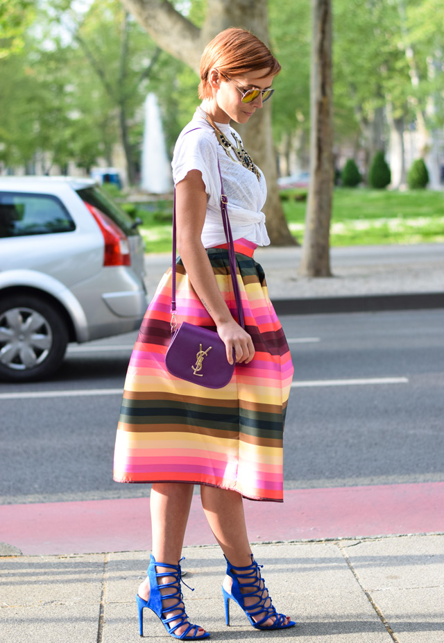 how to wear midi skirt lace up shoes white t-shirt and statement necklace, Sandra Špičić, zagrebačka špica