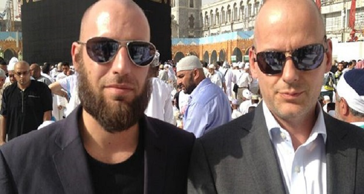 منتج الفيلم المسيئ الى الرسول يعتنق الاسلام لن تصدق ما الذى جعله يدخل الى الاسلام مفاجأه