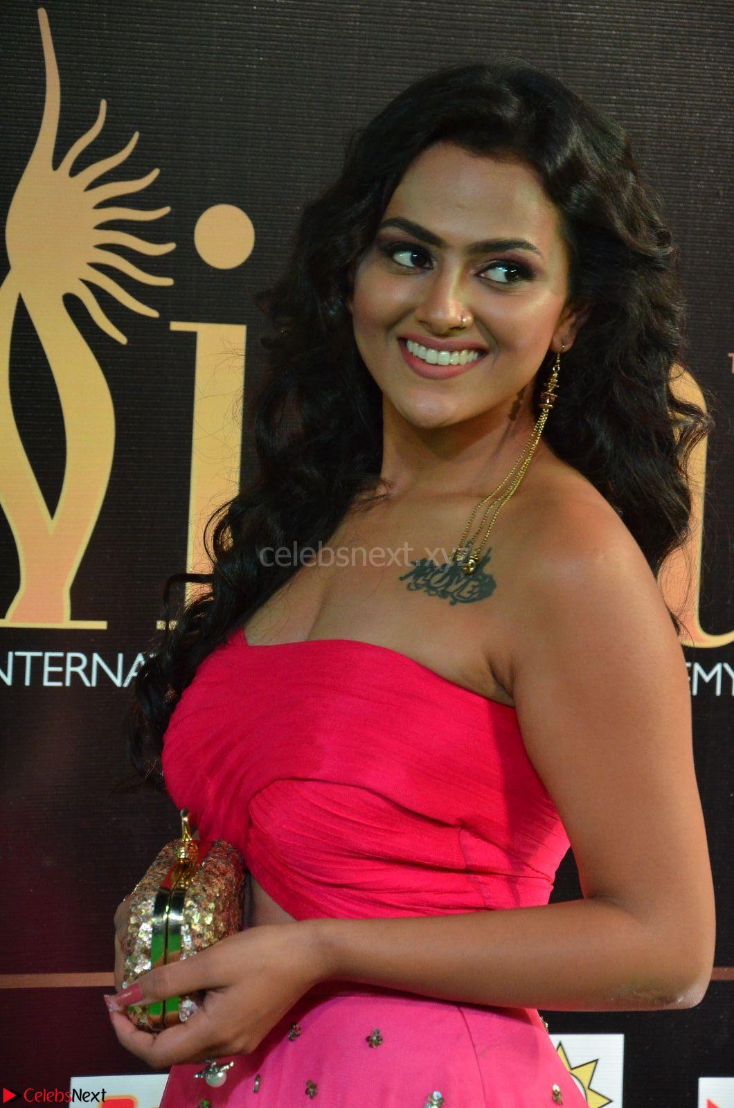 Sraddha in Sleeveless Off Shoulder Pink Dress at IIFA Utsavam Awards March 2017 CelebsNext Exclusive