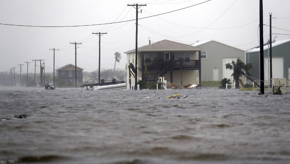Последствия урагана Харви в Хьюстоне