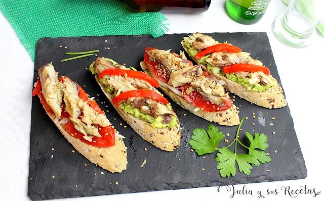 Pinchos de caballa con aguacate y tomate. Julia y sus receta