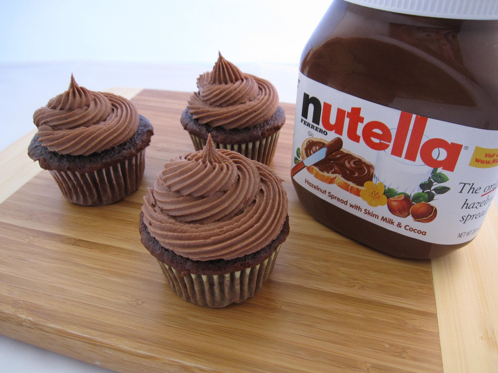 HANNAH IN THE KITCHEN: Nutella Buttercream Frosting