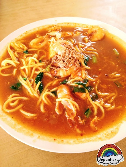 Makan Mee Udang di Pantai Bagan Nakhoda Omar (BNO) Sabak Bernam