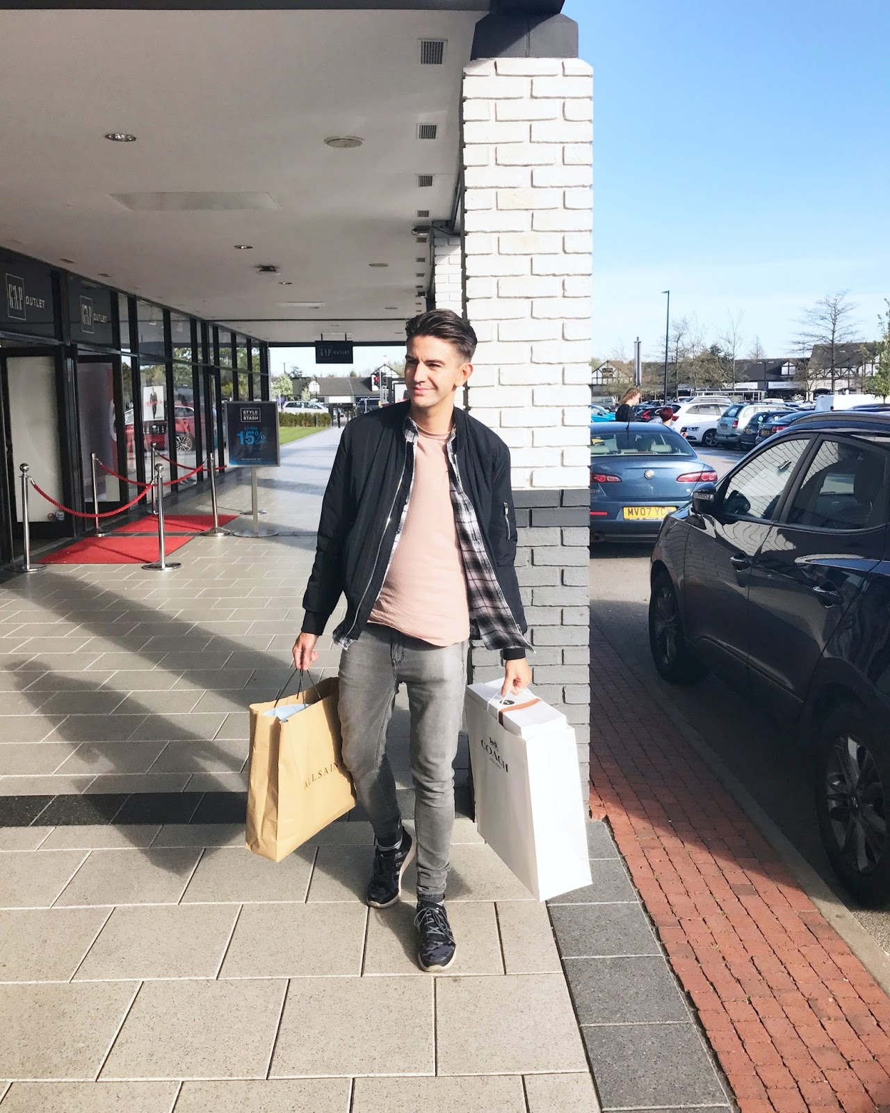 SHOPPING AT CHESHIRE OAKS DESIGNER OUTLET & BUYING A COACH BACKPACK