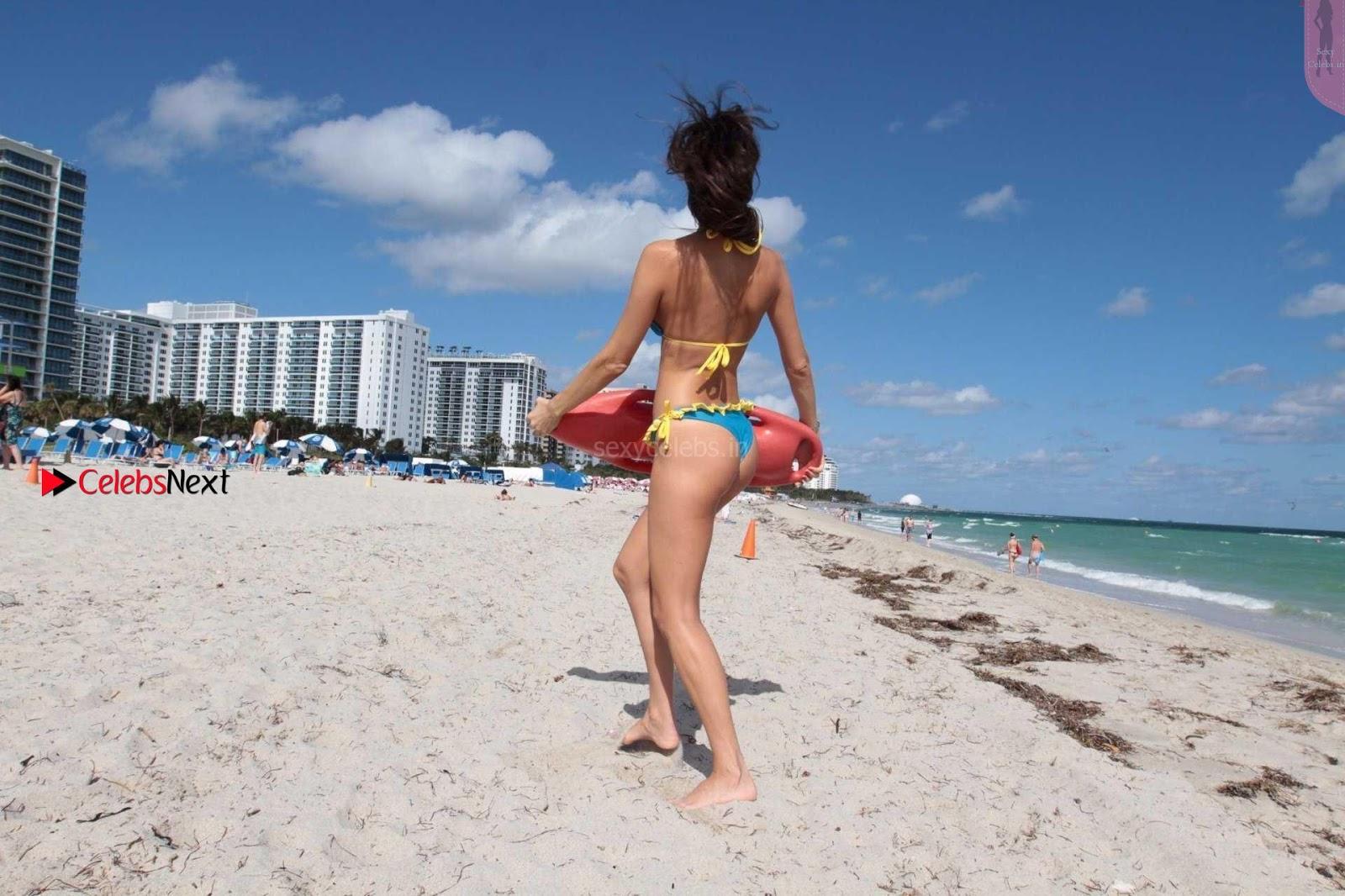 Julia Pereira nStunning Bikini Candids in yellow Swimsuit hot babe Julia Pereira