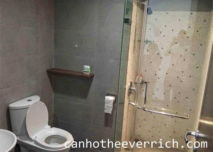 phòng vệ sinh căn hộ the everrich