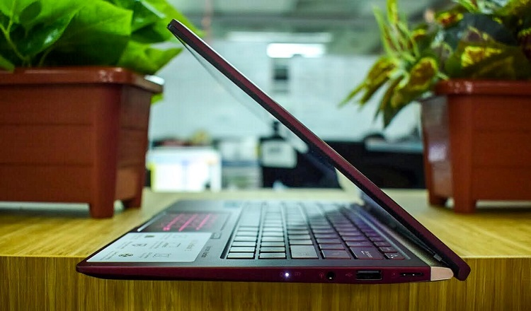 25% Smaller than Other 13-inch Laptops