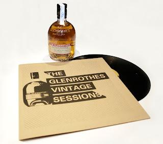 Botella y vinilo vintage