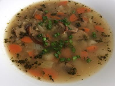 Zupa z kaszy i grzybów