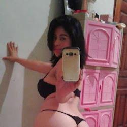 Selfie com novinha empinando a bunda