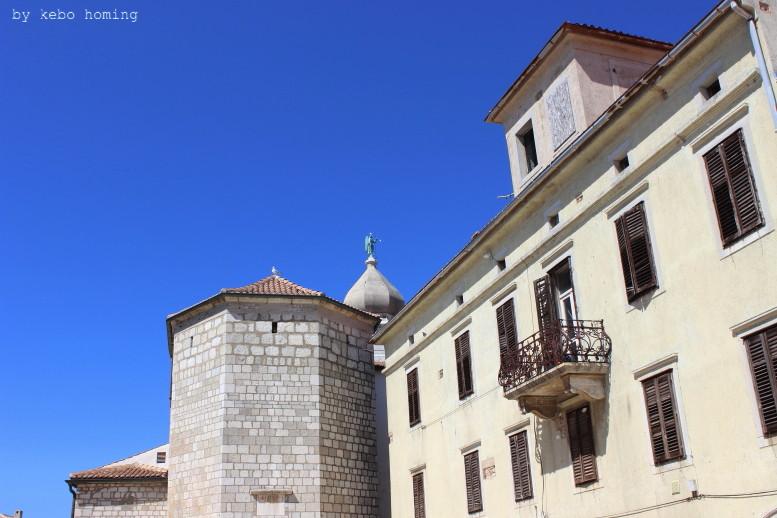 Kebo unterwegs in Krk, Kroatien auf Erkundungstour durch das kleine Städtchen an der  Adria, Urlaub, Reisen, Camping, Fotos auf dem Südtiroler Food- und Lifestyleblog kebo homing
