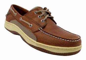 Sperry Top-Sider Billfish 3-eye boat shoe made out of leather and has a padded tongue.