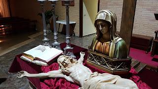 Nos preparamos para acompañar a María en su soledad