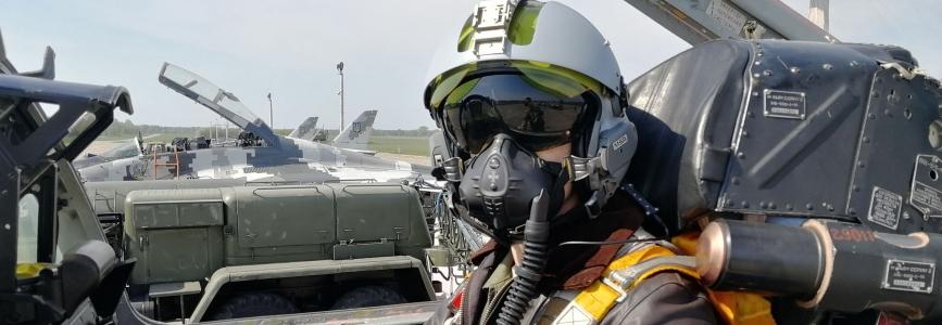 Військові льотчики звільнені протягом 10 років після випуску відшкодовуватимуть вартість навчання