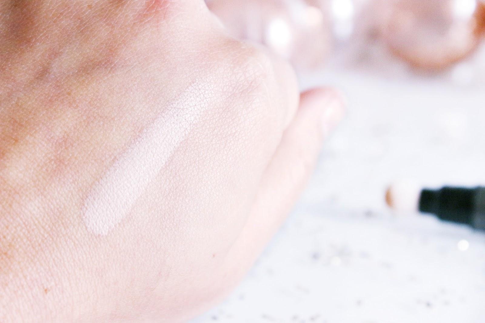 erborian-touch-pen