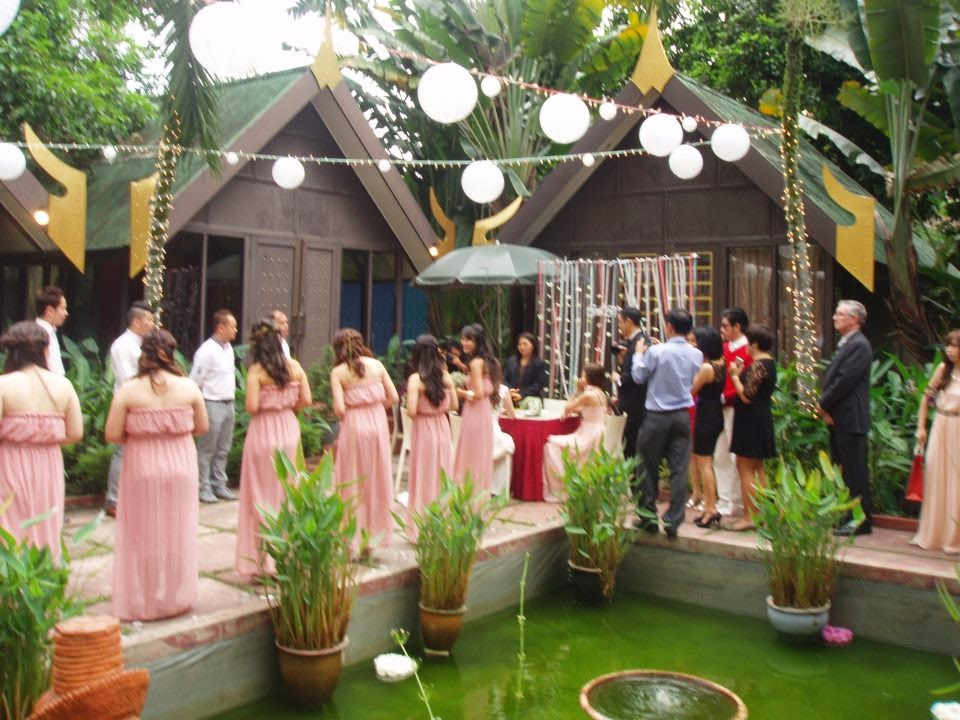 outdoor wedding thai restaurant