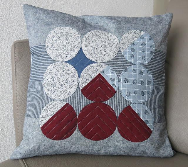 Luna Lovequilts - Quilted cushions / pillows - Combining circles, Carolyn Friedlander prints, Oakshott fabrics and Essex Linen