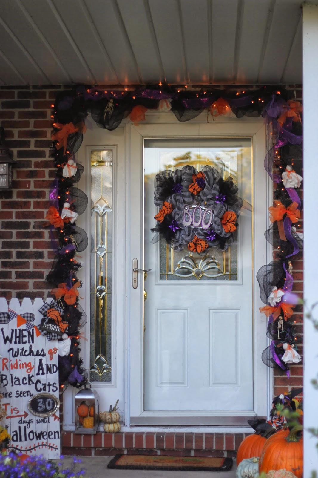 Priscillas: Halloween Front Door 2013