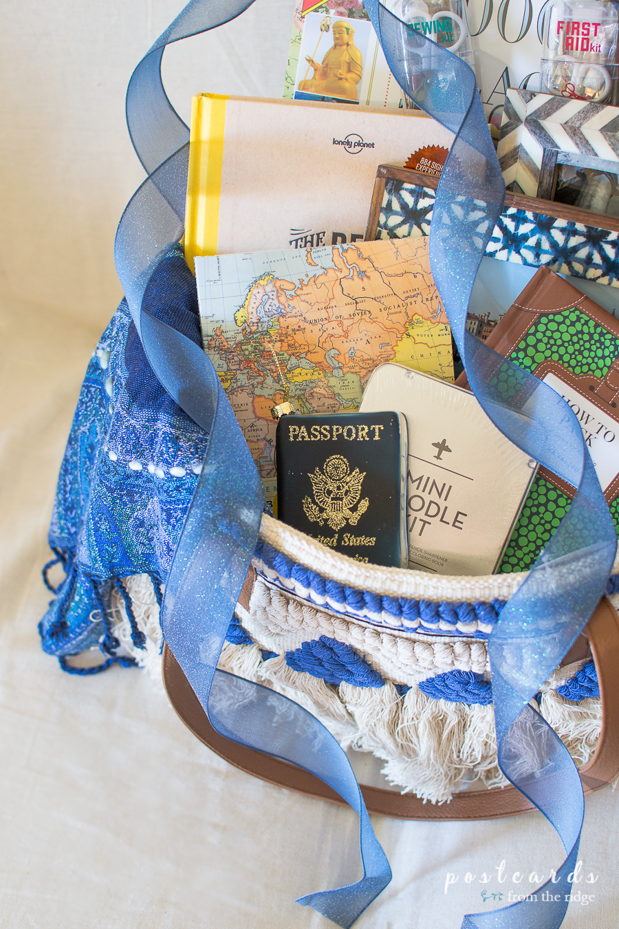 LOVE these fun gifts for travelers