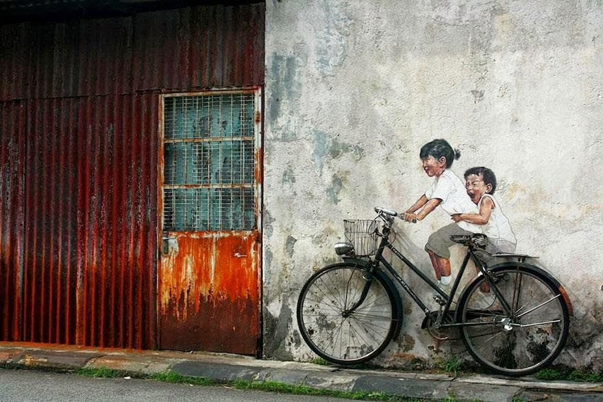 28 Pieces Of Street Art That Cleverly Interact With Their Surroundings - Bicycle, George Town, Malaysia