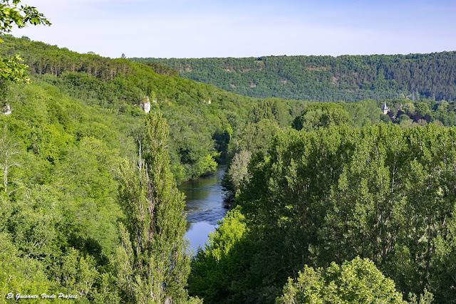 El rio Vézère desde el Auberge de Castel Merle - Francia por El Guisante Verde Project