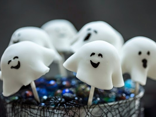 Dr Oetker Spooky Ghost Cake Pops Recipe