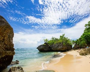 7+ Tempat Wisata Menarik di Bali yang Wajib Dikunjungi-Wisata Pantai padang padang Bali