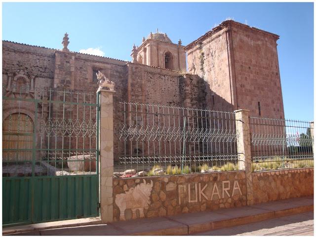 Igreja em Pucara, Peru