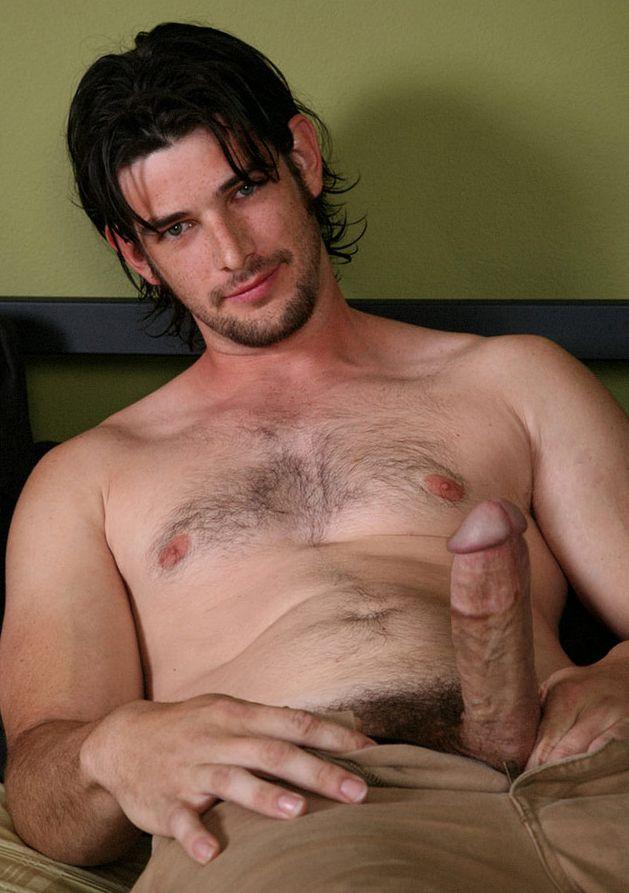 Macho parrudo e de peito peludo acaba - Videos Gays