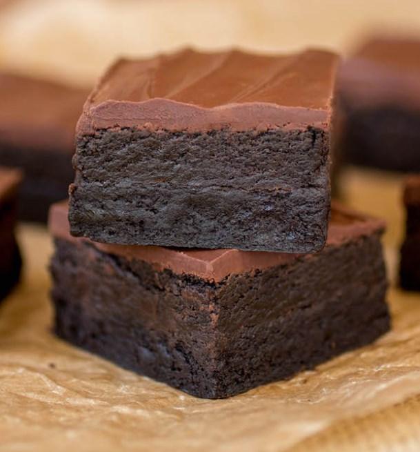 Triple Dark Chocolate Truffle Brownies #chocolate #desserts