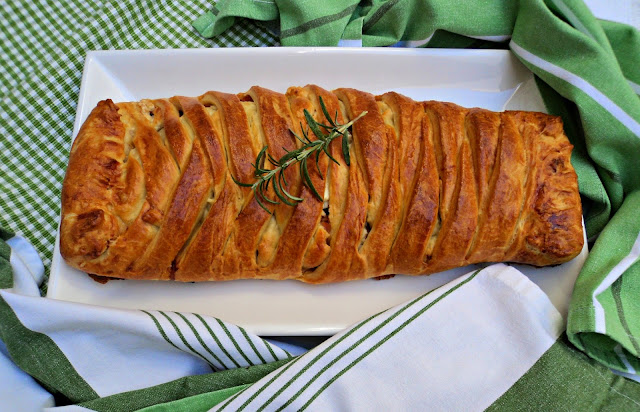 empanada-lomo-adobado-entera