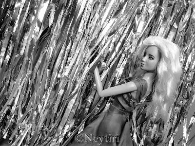 2ne1 Barbie dolls Goodbye Dara