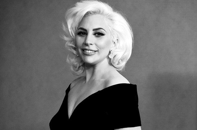 Lady Gaga celebra sus 30 años junto a Taylor Swift, Kesha y más celebridades.