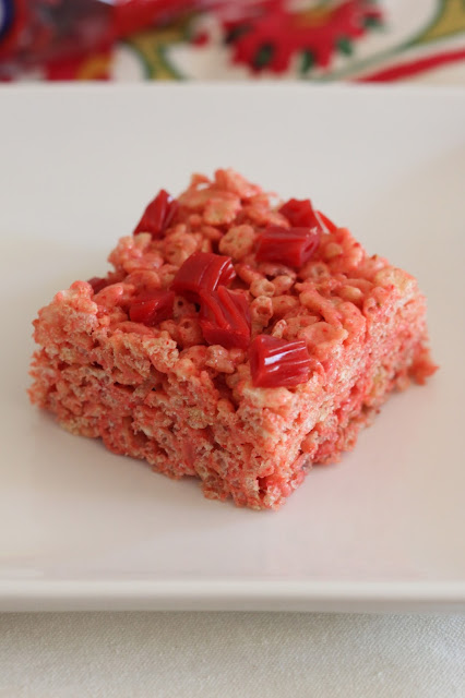 Strawberry Twizzlers Krispies | Tortillas and Honey