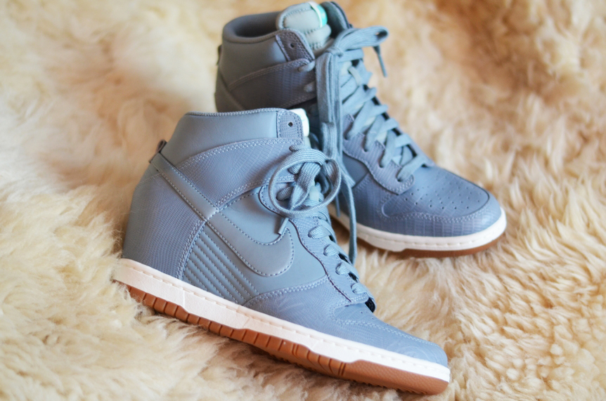 NEW IN : NIKE DUNK SKY HI AVATAR GREY